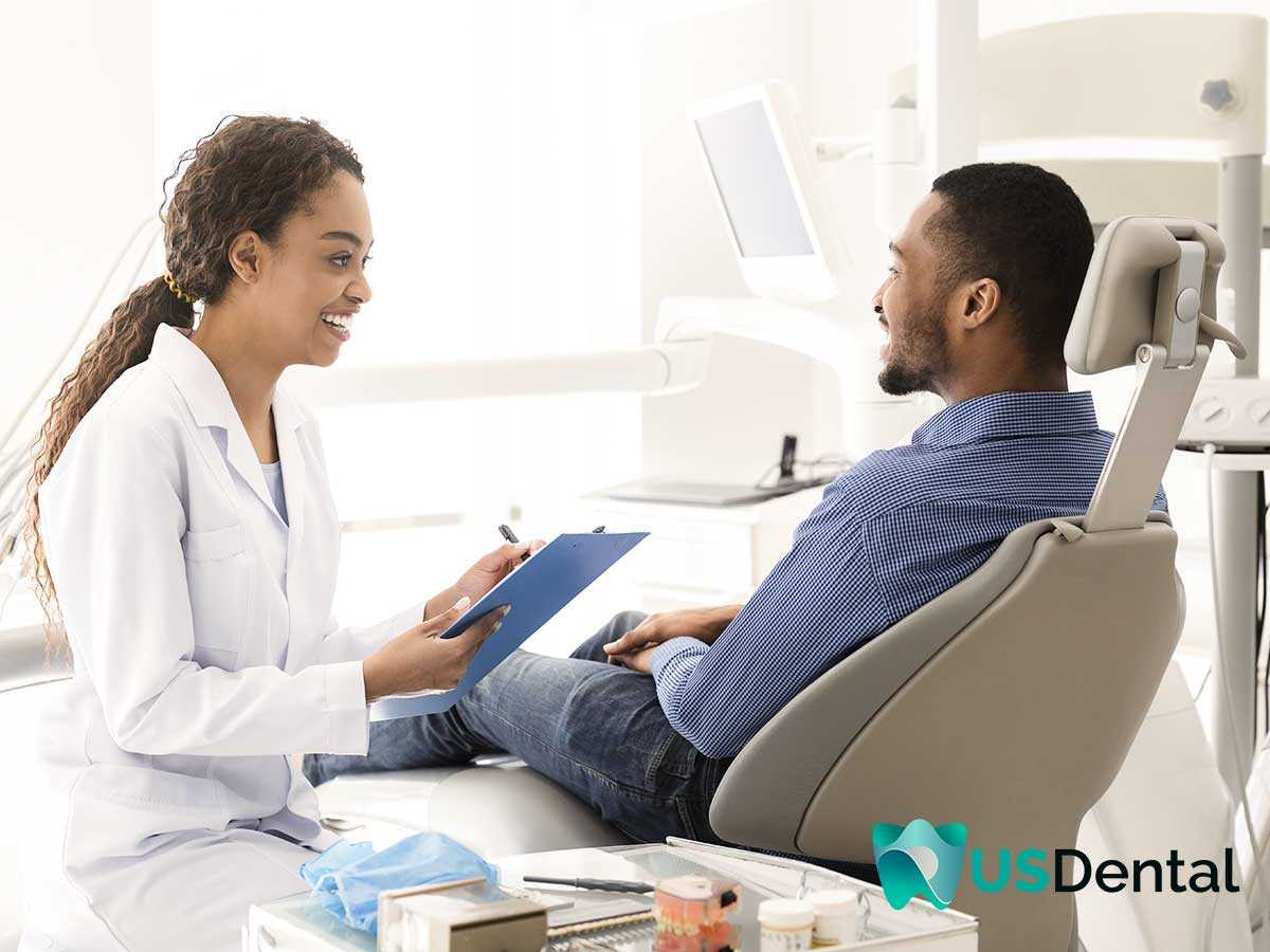 Experienced Dentist attending a patient that wants Immediate Dentures in Columbus, OH